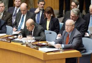 IAEA Director General Mohamed ElBaradei (L) and UNMOVIC Executive Chairman Hans Blix (R) brief the UN Security Council on Iraq inspections March 7, 2003