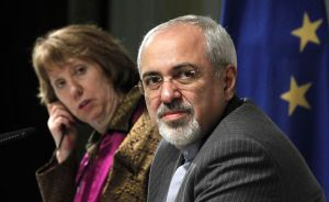 European Union foreign policy chief Catherine Ashton and Iranian Foreign Minister Mohammad Javad Zarif. (AFP PHOTO / Pool / Jason Reed)